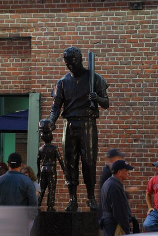 File:Ted Williams-1194894127-55.jpg
