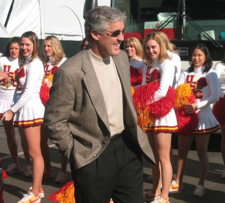 File:1188439239 Normal PeteCarroll songgirls.jpg