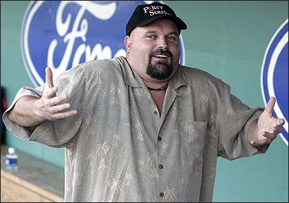 File:David Wells Shrug.jpg