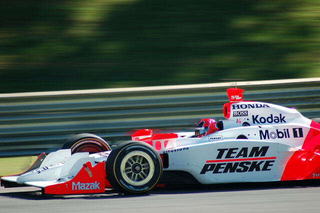 File:Helio Castroneves-1209686546-75.jpg
