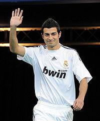 File:Player profile Raul Albiol.jpg