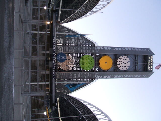 File:Qwest Field-1196047953-920.jpg