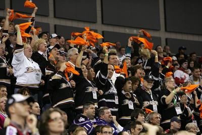 File:NHL Premiere 4.jpg