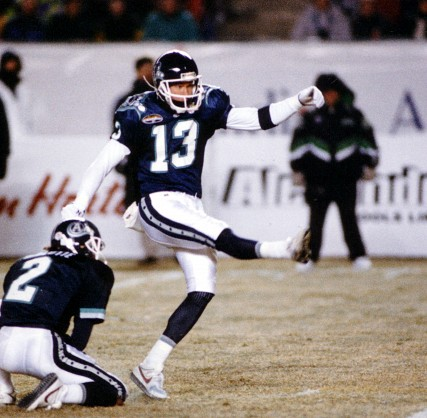 File:Vanderjagt Mike 4 1997 - Grey Cup -427 418.jpg