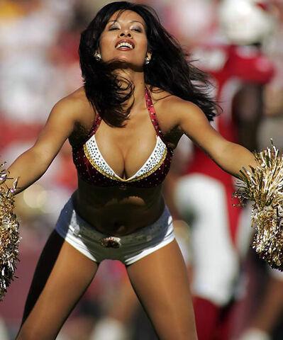 File:07-hot-cheerleaders.jpg