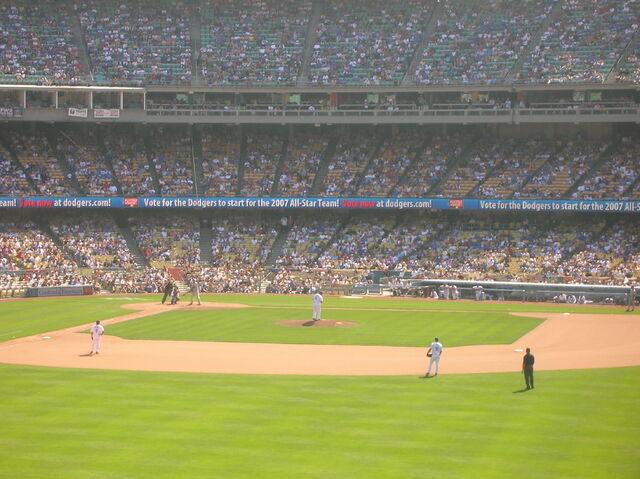 File:Dodger Stadium-1195663803-416.jpg