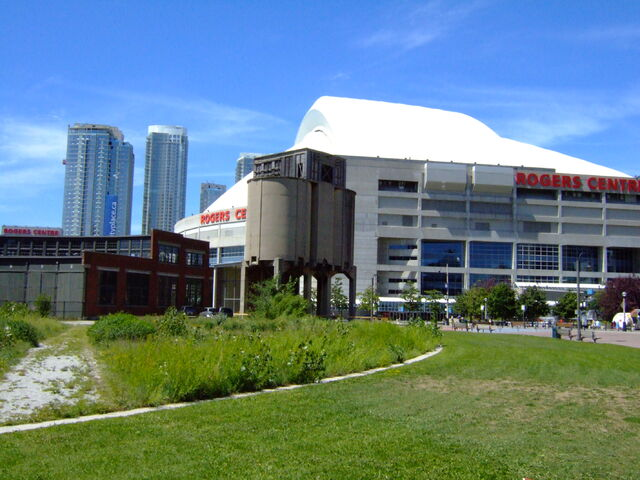 File:Rogers Centre-1195683728-344.jpg