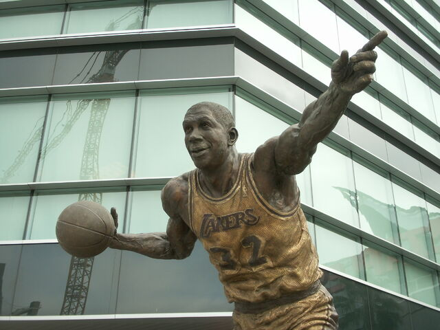 File:Staples Center-1196098381-698.jpg