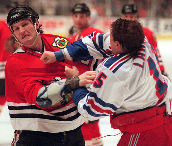 File:1210575683 Hockey fight.jpg