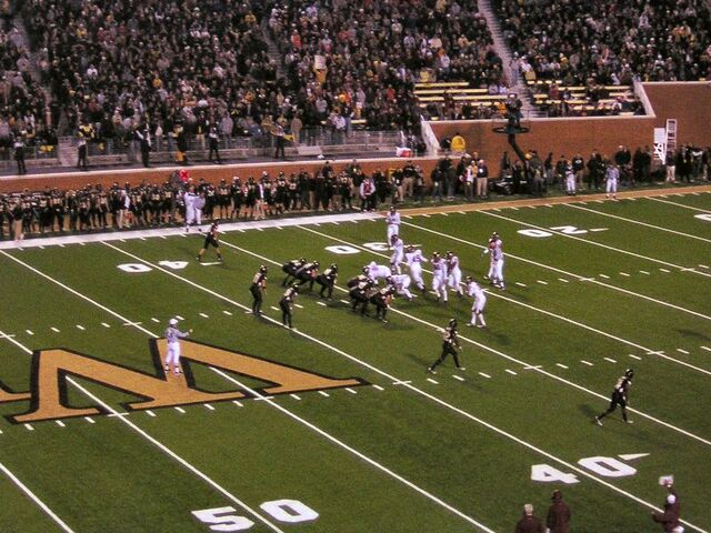 File:800px-2006 Virginia Tech at Wake Forest lined up.jpg