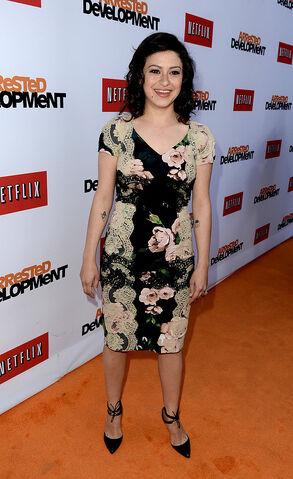 File:2013 Netflix S4 Premiere - Alia Shawkat 4.jpg