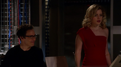Eobard works with Felicity