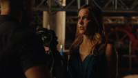 Laurel asks Oliver to teach her