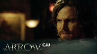 Arrow Kapiushon Scene The CW