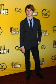 Calum Worthy Let it Shine (1)