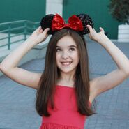 Aubrey k miller Minnie Mouse bow