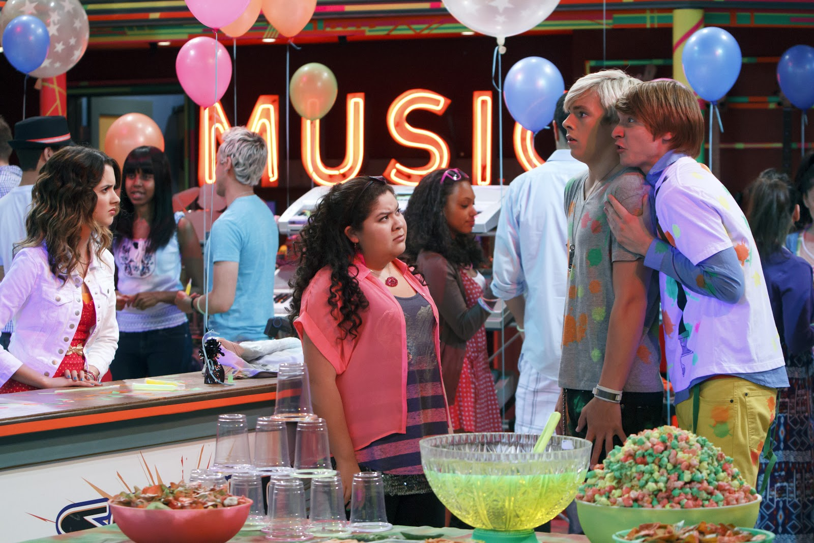 Is austin and ally really hookup in real life