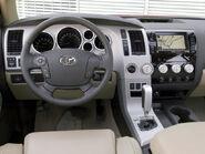 131 0703 09 z-2007 toyota tundra-steering interior