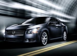 2010-Nissan-Maxima 9small