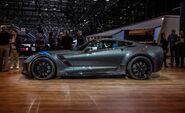 2017-Chevrolet-Corvette-Grand-Sport-1033-876x535