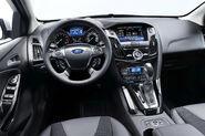 2011-Ford-Focus-23