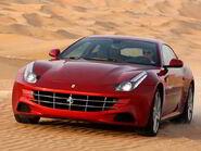 S7-Ferrari-FF-restylee-rendez-vous-en-2016-avec-un-nouveau-moteur-V8-turbo-d-entree-de-gamme-96599