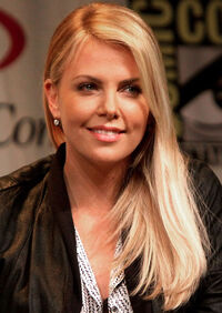 Charlize Theron WonderCon 2012 (Straighten Crop)