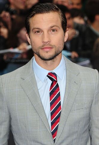 File:Logan Marshall-Green.jpg
