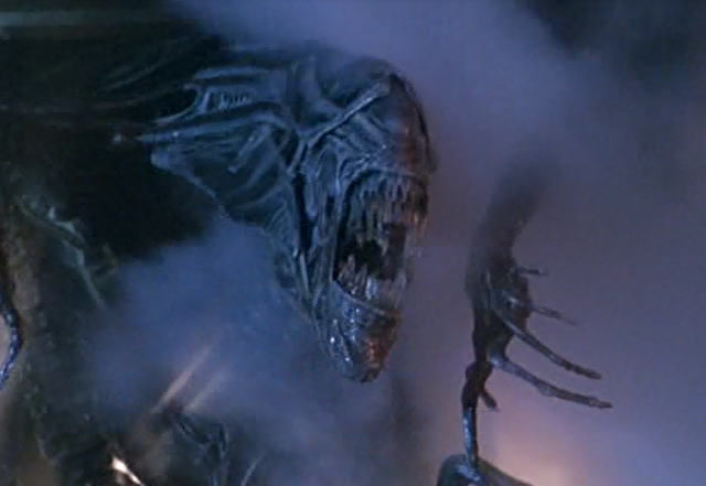 File:Queen xenomorph.png