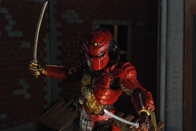 File:Neca-predators-series-7-big-red-predator-02.jpg