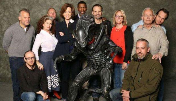 File:Movies-sigourney-weaver-alien-cast-calgary-expo.jpg