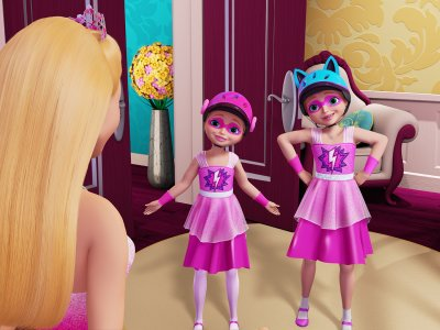 barbie kara a besoin dune jupe longue qui se transformera facilement en cape une fois la poupe passe en mode hroque