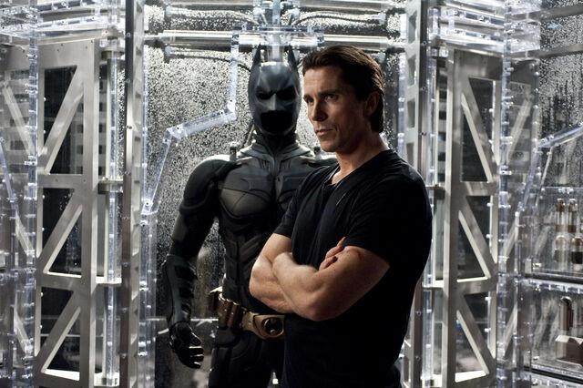 File:Bruce Wayne TDKR.jpg