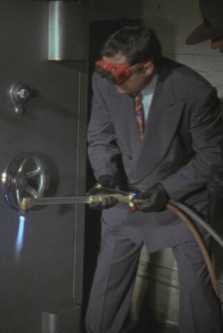 File:Batman 1989 - Napier Hood with Cutting Torch.jpg