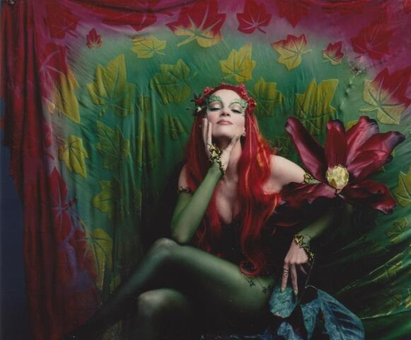 File:Poison Ivy (Uma Thurman) 9.jpg