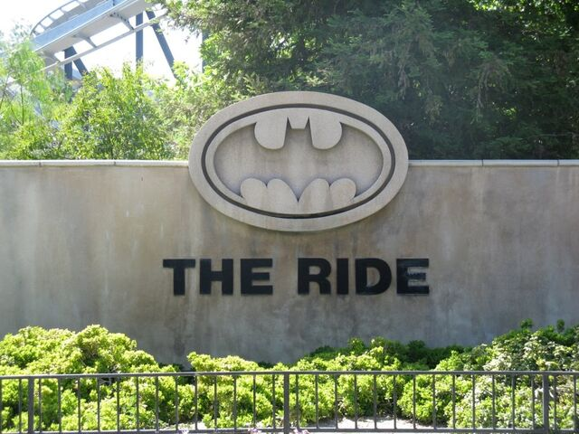 File:Batman The Ride Entrance.jpg