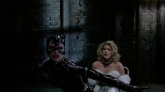 File:Batman-returns-disneyscreencaps.com-8838.jpg