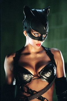 Catwoman (Halle Berry) 8