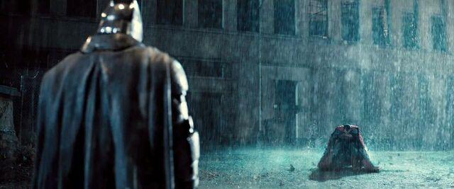 File:Batman-V-Superman-Trailer-Rain-Landing-Fight.jpg