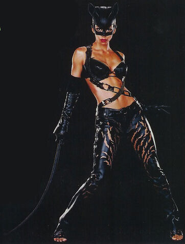 File:Catwoman (Halle Berry) 1.jpg