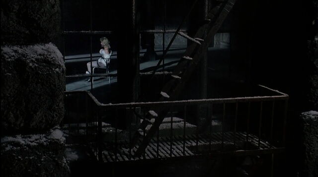 File:Batman-returns-disneyscreencaps.com-8760.jpg
