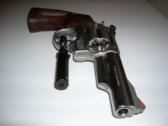 File:800px-S&W .357 Magnum With Laser Sight.jpg
