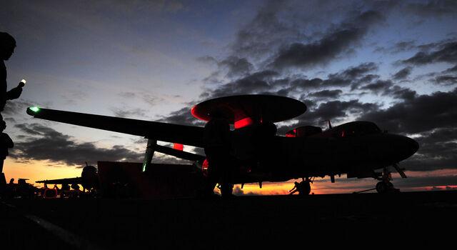 File:E-2 Hawkeye.jpg