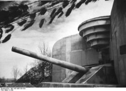 Bundesarchiv Bild 146-1986-104-10A, Atlantikwall, Batterie 'Todt'