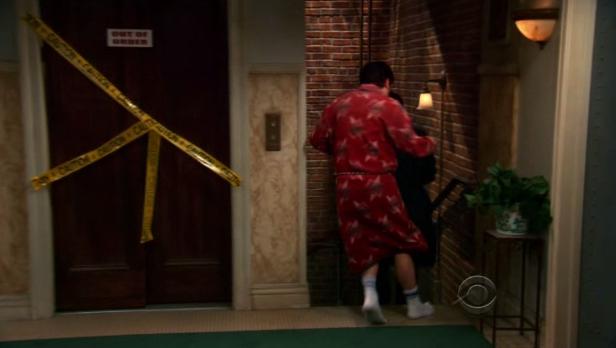 File:Guys running away.png