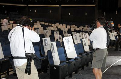 File:2010 Emmy Rollout Preparation.jpg