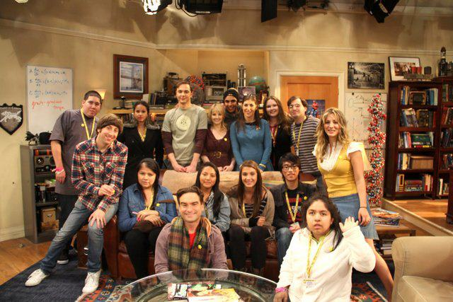 File:Tbbt cast with the sunshine kids foundation.jpg