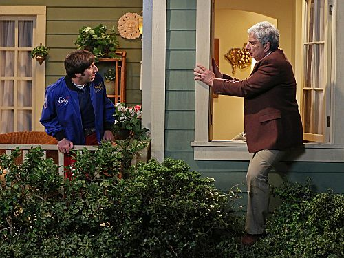 File:S6EP04 - Howard back home.jpg