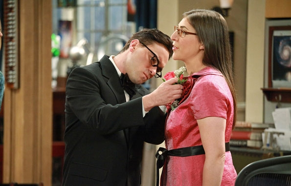 File:S5EP03 - Leonard and Amy.jpg