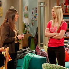 Amy consoling Penny about Leonard being with Priya.